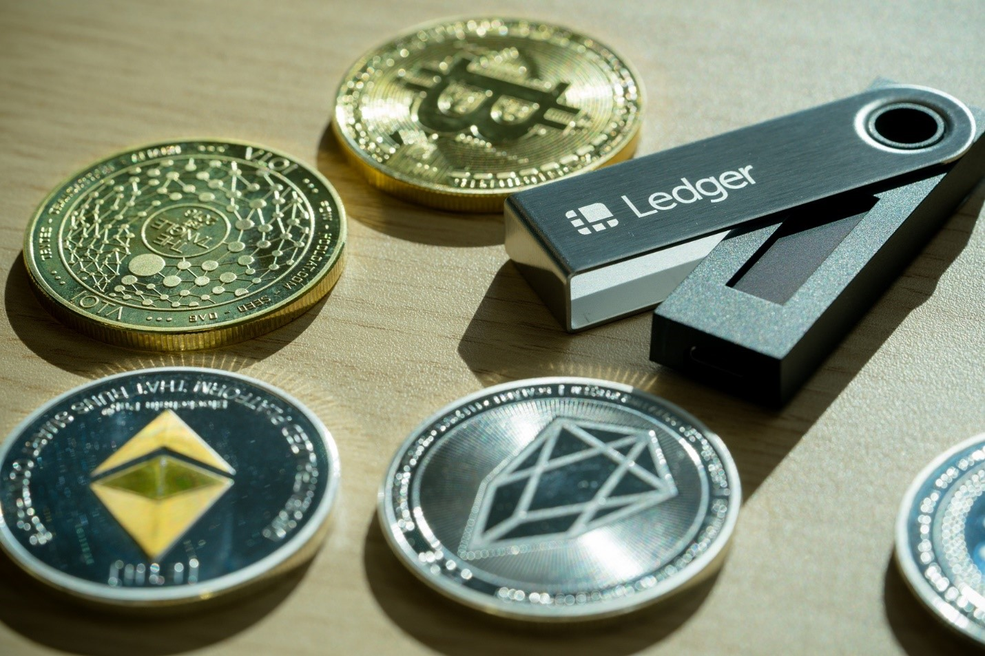Hardware Wallet - Best way to store Bitcoins safely